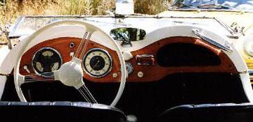 singer roadster intérieur